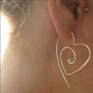 Jewelry - NEW 💕 Spiral Heart Earrings